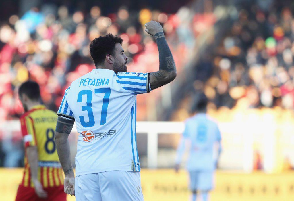 Petagna esulta dopo il gol del pareggio; Lecce-Spal 1-1.